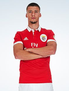 Plantel Principal de Futebol - SL Benfica Football Love, Polo Shirt, Polo Ralph Lauren, Mens Tops, Samsung, Shirts, Wallpapers, Soccer Players, Football Memes