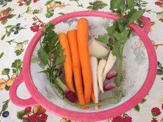 A zöldborsóleves titka - Lepcsánkparty Carrots, Vegetables, Food, Essen, Carrot, Vegetable Recipes, Meals, Yemek, Veggies