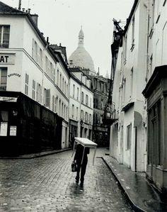 Andre Kertesz, Montmartre, Paris, France,1963