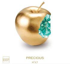 Objet Deco Design, Golden Apple, Divine Mother, Moon Photography, Objet D'art, Source Of Inspiration, Motion Design, Resin Art, Solid Gold