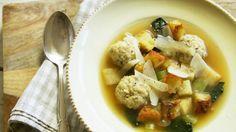 Soupe aux boulettes d'Emma - Recettes - À la di Stasio Quebec, Easy Healthy Recipes, Stew, Potato Salad, Recipies, Favorite Recipes, Chicken, Meat, Cooking