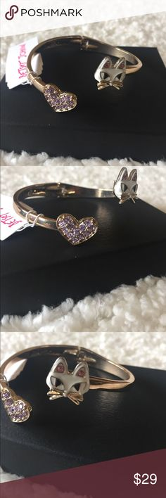"NWT! BETSEY JOHNSON CAT & PAVE HEART BANGLE BRAND NEW! NWT! AUTHENTIC BETSEY JOHNSON CAT & PAVE HEART HINGED BANGLE BRACELET-Fits up to a 6 3/4"" wrist....It has a few surface scratches, but cannot be seen, while wearing it....Difficult to get pics, with the reflection of the bracelet.... Betsey Johnson Jewelry Bracelets"