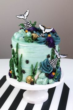 If you love Halloween like me, you may have noticed the not-biologically-correct animal skeleton trend that popped up in the big box stores a few years back. Mermaid Cookies, Mermaid Cupcakes, Halloween Birthday Cakes, Halloween Treats, 7th Birthday, Halloween Party, Holiday Cakes, Holiday Treats, Beautiful Cakes