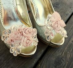 Hey, I found this really awesome Etsy listing at https://www.etsy.com/listing/259329128/champagne-shoe-clips-shoe-clips-bridal
