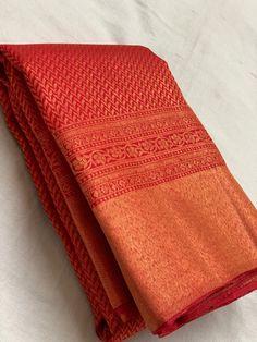 Cutwork Blouse Designs, Wedding Saree Blouse Designs, Silk Saree Kanchipuram, Handloom Saree, Pakistani Fashion Casual, Wedding Silk Saree, Indian Silk Sarees, Half Saree, Bridal Photography