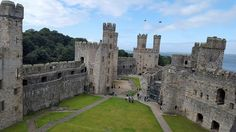 One of our favourite parts of our weekend away in Snowdonia was visiting Caernarfon Castle. A once in a lifetime experience. Find your Epic! Snowdonia, European Vacation, Weekends Away, Once In A Lifetime, Eurotrip, Weekend Trips, Days Out, Tower Bridge, Trip Planning