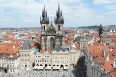 Altstädter Ring mit Teynkirche in Prag
