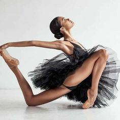 Misty Copeland, Dancer Photography, Black Photography, Ballet Girls, Ballet Dancers, Black Dancers, Dance Movement, Dance Poses, Ballet Beautiful