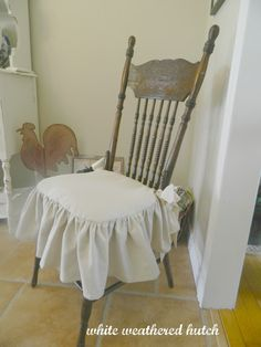 White Weathered Hutch: Country Chic Ruffled Drop Cloth Pillow TUTORIAL