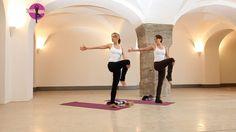 Einfache Yoga Übungen und Drehungen für Anfänger zum Mitmachen - YOGAMOU...