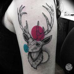 Farfalla Ink cria tatuagens neotradicionais com incríveis detalhes e cor