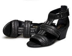 DIMMI KOREAN FASHION BEIGE BLACK LEATHER SANDALS W29927  $95.00