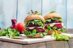 Most of us get that eating a plant-based diet is the more sustainable food choice. But that doesn't mean it's easy. MeatLess May is a great way to get started. Healthy Meats, Healthy Recipes, Meatless Recipes, Healthy Foods, Easy Recipes, Healthy Eating, Beetroot Burgers, Food That Causes Inflammation, Best Veggie Burger