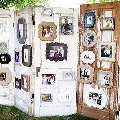 Puertas antiguas y marcos de fotos. Una idea genial para hacer un bonito rincón de recuerdos en tu boda! #fotosboda #fotosbodas #love #amor #marcosfotos #puertas #boda #bodas #bodas2018 #decoracionbodas #decoracion #decoraciondebodas #decoracioneventos #wedding #blogdebodas #bodasoriginales #bodasbonitas #bodasunicas #bodasconestilo #bodasromanticas #bodasrusticas #ideasboda #ideasparabodas #decoboda