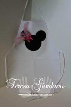 Delantal para niñas fiesta de Minnie  www.coqueteriasmanuales.com