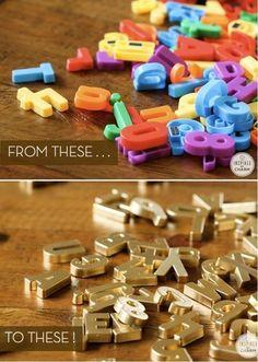 Reaproveite as letras do alfabeto de plástico de seu filho para uma decoração extravagante numa geladeira ou quadro de avisos. | Os 52 projetos faça-você-mesmo mais fáceis e rápidos de todos os tempos