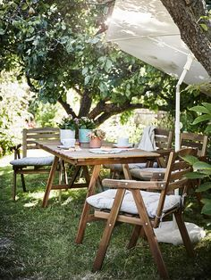 Outdoor Tables And Chairs, Outdoor Armchair, Patio Table, Outdoor Table Settings, Patio Dining, Outdoor Dining, Deck Furniture, Recycled Furniture, Outdoor Furniture Sets