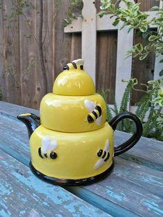 bumble bee teapot