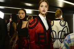 Dolce & Gabbana Woman Runway Backstage Photo Gallery – Spring Summer 2015
