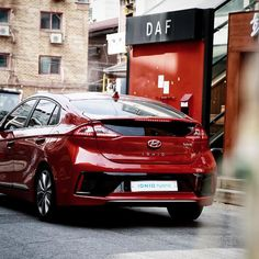 No doubt, IONIQ will catch your attention - Repost from @hyundai_ioniq - 모두의 시선을 사로잡은 아이오닉 - #Hyundai #Motor #car #IONIQ #hybrid #nodoubt #catchmyeyes #lifestyle #goodlife #design #urban #city #driving #daily #photooftheday #현대자동차 #아이오닉 #하이브리드 #도심드라이브 #시선강탈 #피닉스오렌지 #도심라이프 #일상이화보 #포토제닉아이오닉 #소통 #데일리픽 #자동차 #카스타그램 #자동차그램