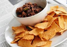 Hiszpańska tortilla z chorizo Snack Recipes, Snacks, Chorizo, A Food, Chips, Meat, Polish, Drink, Lunch Ideas