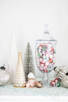 Four Ideas to Make Your Season Merry Christmas Dishes, Christmas Candy, All Things Christmas, Christmas Crafts, Christmas Decorations, Holiday Decor, Lindt Chocolate, Love Chocolate, Chocolate Gifts