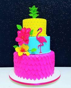 Cakes: 20 Inspiring Party Themes With Adriana Milane - Pool Party - Festa Flamingo Party, Flamingo Cake, Flamingo Birthday, Hawaiian Birthday, Luau Birthday, 10th Birthday Parties, Luau Cakes, Party Cakes, Cupcakes