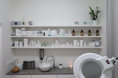 Bathroom Medicine Cabinet, Floating Shelves, Studios, Relax, Home Decor, Living Room, Decoration Home, Room Decor, Wall Shelves