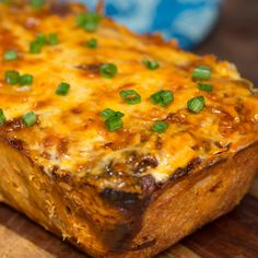The only way to improve yummy shareable bread is to put a spicy bird on it ... and lots of cheese.
