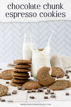 These espresso chocolate chunk cookies are the perfect combination of sweet from the chocolate and savory from the espresso - made easy with instant espresso powder and a foolproof chocolate chip cookie recipe, these are sure to be a new favorite! Best Dessert Recipes, Fun Desserts, Cookie Recipes, Delicious Desserts, Drink Recipes, Espresso Powder, Good Food, Yummy Food, Star Food