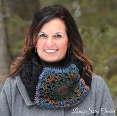 Gladys Granny Square Cowl Crochet Pattern by LivingSkiesCrochet on Etsy https://www.etsy.com/listing/228641264/gladys-granny-square-cowl-crochet