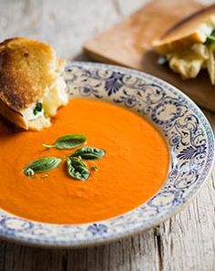 Creamy Tomato Soup - Quick, easy and delicious # Comfort Food Easy Healthy Recipes, Vegetarian Recipes, Easy Meals, Quick And Easy Soup, No Cook Meals, Curry, Tomato Soup, Cooking, Ethnic Recipes