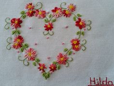 Coração que vale ouro Embroidery Hearts, Embroidery Works, Hand Embroidery Stitches, Hand Embroidery Designs, Floral Embroidery, Beaded Embroidery, Needlework, Embroidery Stitches, Hand Embroidery Flowers