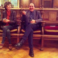 El director del Barnasants al costat d'Helena Barraquer al Saló de Cent de l'Ajuntament de Barcelona, Medalles d'Honor de Barcelona