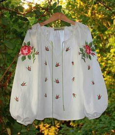 Frock Fashion, Boho Fashion, Fashion Outfits, Womens Fashion, Hand Embroidery Dress, Embroidery Fashion, Ukrainian Dress, Mexican Blouse, Mode Boho