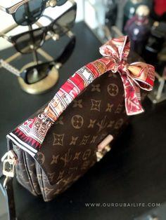 Pochette Métis Mono Reveal | VDAY surprise Louis Vuitton Bandeau, Pochette Louis Vuitton, Louis Vuitton Monogram, Beautiful Unicorn, Gucci Marmont, Classic Style, My Style, Valentine Special, Cute Bags