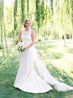 Stunning bride in Carolina Hererra: http://www.stylemepretty.com/2015/11/12/summer-willow-tree-wedding-at-black-swan-lake/ | Photography: Jose Villa - http://josevilla.com/