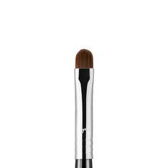 L05 - Lip Brush