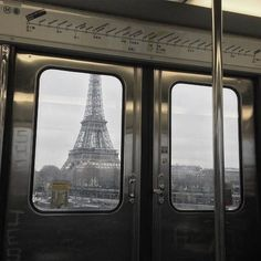 City Aesthetic, Aesthetic Photo, Travel Pictures, Art Pictures, Paris In September, Paris Metro, France, Hello Beautiful, Country