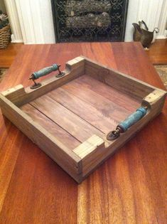 Reclaimed Weathered Gray Pallet Wood Serving Tray With Turquoise Blue Handles I'm sure the girls and I would love something like this…yup, I'm sure honey Pallet Crafts, Diy Pallet Projects, Wood Crafts, Woodworking Projects, Pallet Ideas, Reclaimed Wood Projects, Small Wood Projects, Recycled Wood, Pallet Tray