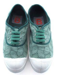 Bensimon Collection http://www.marie-claire.es/moda/accesorios/fotos/zapatos-planos-verano-2014-por-los-que-renunciaras-al-tacon/bensimon1