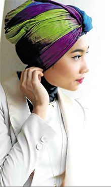 #hijabigal Yuna - this girl is totally nailing the turban scarf look! So chic.