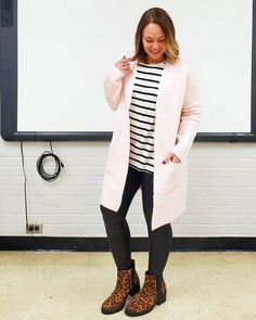how to wear leggings over 40 a complete guide with the best leggings How To Wear Leggings, Best Leggings, Leggings Are Not Pants, Leggings Style, Boys And Girls Club, Teacher Style, Fashion Over 40, Leggings Fashion, Diy Clothes
