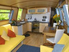 Love the yellow! Barge Interior, Best Interior, Interior Ideas, Narrowboat Interiors, Houseboat Living, Trailers, Old Boats, Canal Boat, Water Life