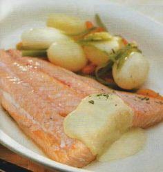 Varomeando: Lomos de salmón con verduritas y crema de Torta del Casar