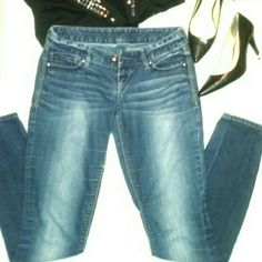 EXPRESS JEANS Blue wash denim jeans. Prelove but its in good condition Pants Skinny