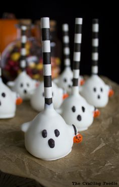 Made from crumbled cake, frosting, and candy coating, these deliciously adorable cake pops are an easy addition to your Halloween celebration.