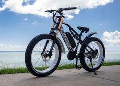 Basée à Shenzhen, en Chine, Cyrusher est l'une de ces jeunes pousses qui ambitionnent de devenir une référence sur le marché du vélo électrique. Après avoir dévoilé le XF650 en aout dernier, l'entreprise a décidé de remettre le couvert avec, cette fois, un VAE tout-terrain dont l'apparence rappelle celle d'une moto. Plus robuste et doté de composants plus agréables, l'Everest XF900 se présente comme un vélo à double usage. Un