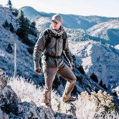 Durable and versatile, the Catalyst Field Shirt brings technical performance and modern design to an adventure staple. Tactical Survival, Tactical Gear, Outdoor Life, Outdoor Gear, Outdoor Survival, Survival Tips, No Equipment Workout, Workout Gear, Tad Gear