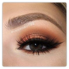 Copper lids - Pink Pepper Pressed Pigment on the lid, Brown Script and Brun eye shadows (all 3 by Mac) in the crease. Inglot liner to create wing liner. Twiggy lashes by Kiss Makeup, Love Makeup, Makeup Inspo, Makeup Inspiration, Makeup Tips, Beauty Makeup, Makeup Looks, Hair Beauty, Makeup Tutorials